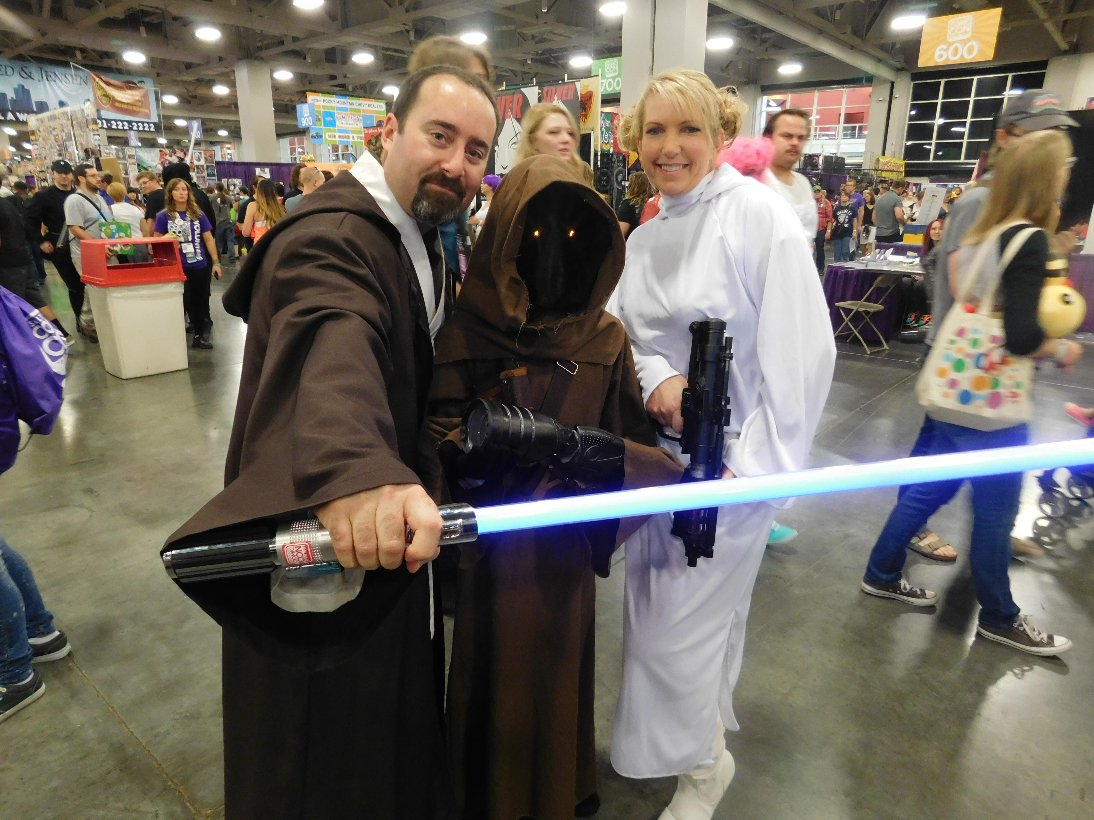 SLCCd3.013 - Star Wars fans UNITE!