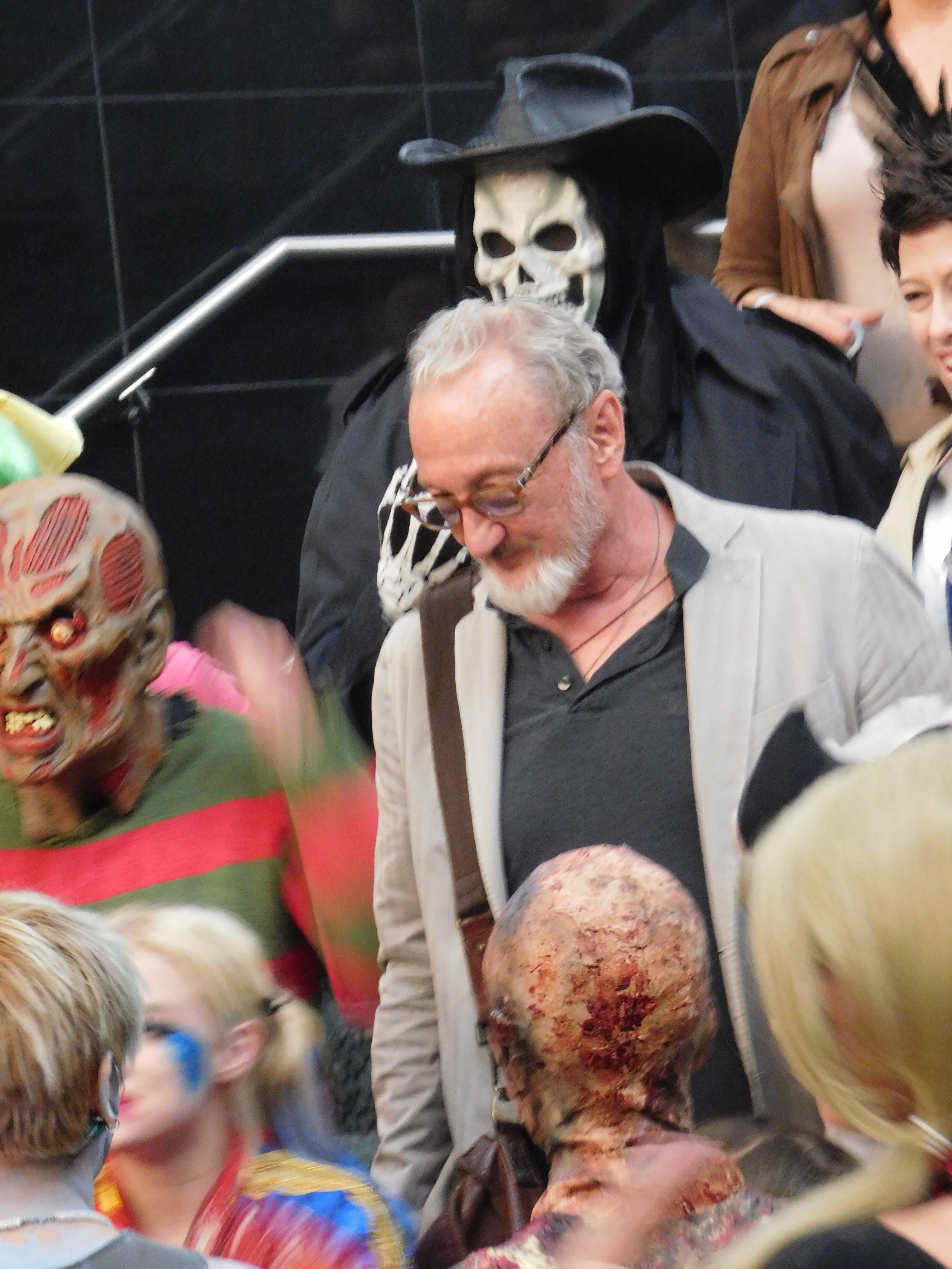 SLCCd2.058 - Either that's a really good mask, or it's really Robert Englund!